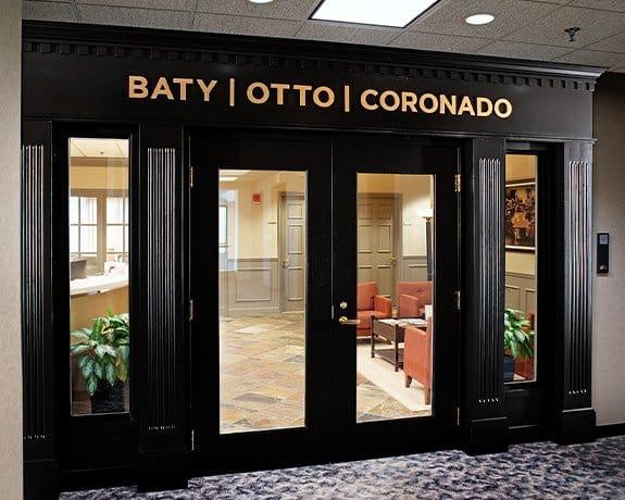 Baty Otto Corondao Entrance